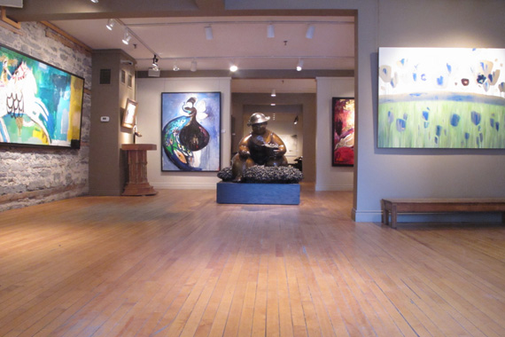 The galleries of rue St. Paul